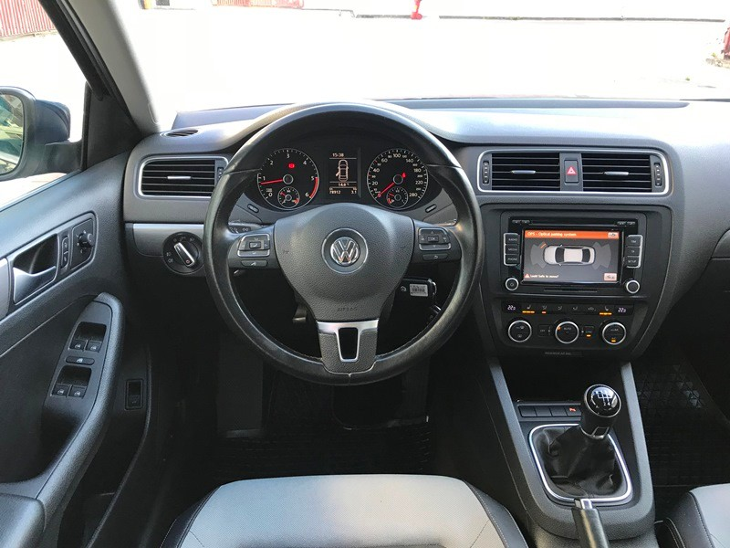 VW JETTA 1.6 TDI HIGHLINE Foto 8