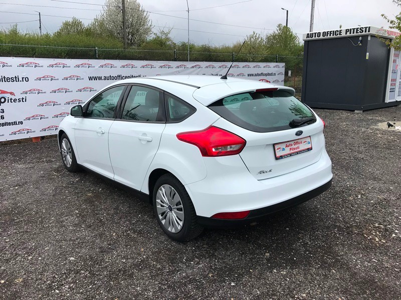 FORD FOCUS FACELIFT 1.6 TDCI Foto 5