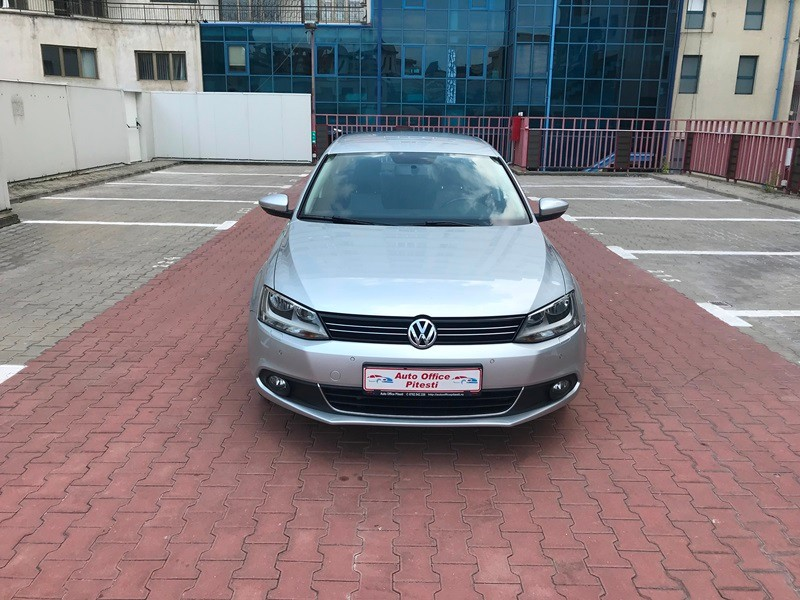 VW JETTA 2.0 TDI HIGHLINE