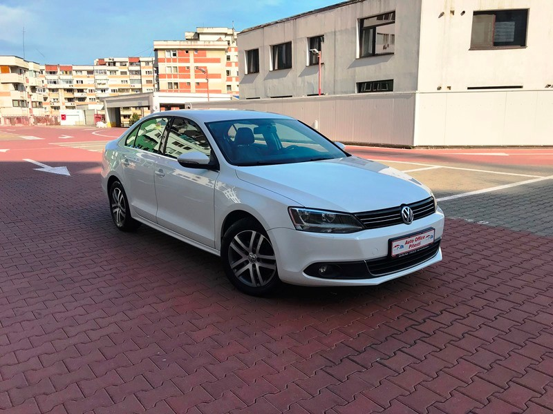 VW JETTA 1.6 TDI HIGHLINE Foto 2
