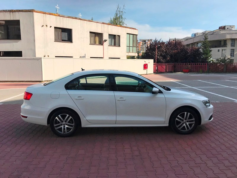 VW JETTA 1.6 TDI HIGHLINE Foto 3