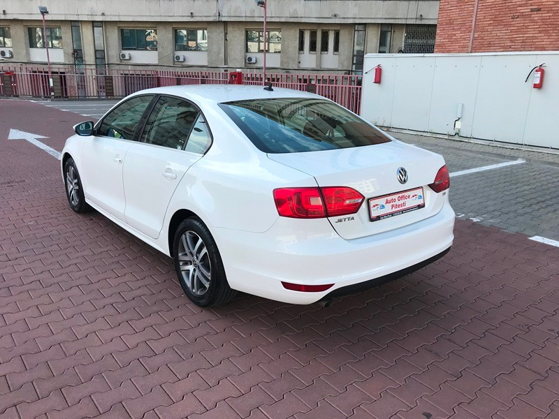 VW JETTA 1.6 TDI HIGHLINE Foto 5
