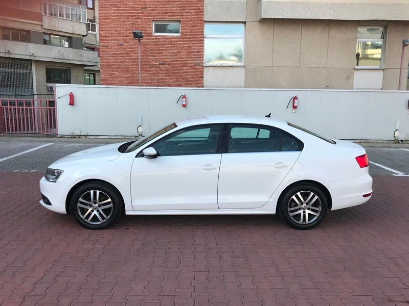 VW JETTA 1.6 TDI HIGHLINE Foto 6