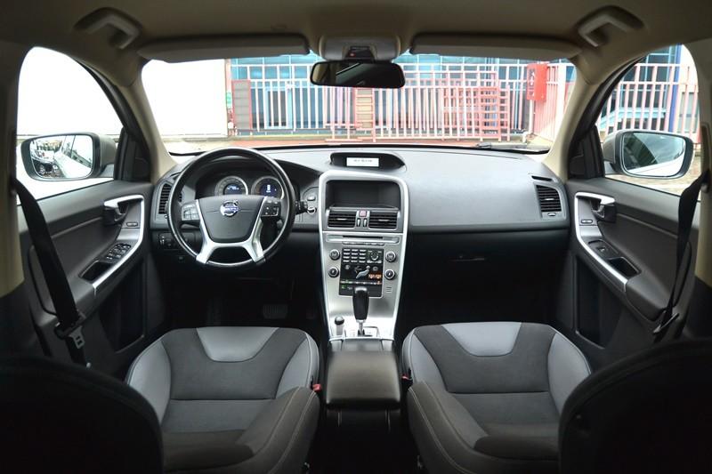 Volvo XC60 2.4 D AUTOMAT,4*4 Foto 9