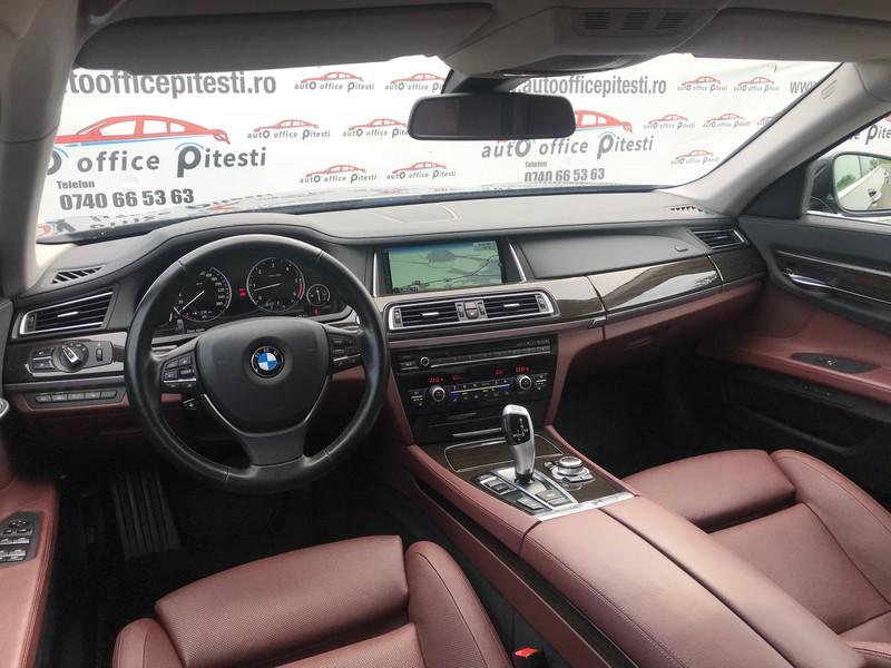 BMW 740 LONG 313 CP FULL LED Foto 12