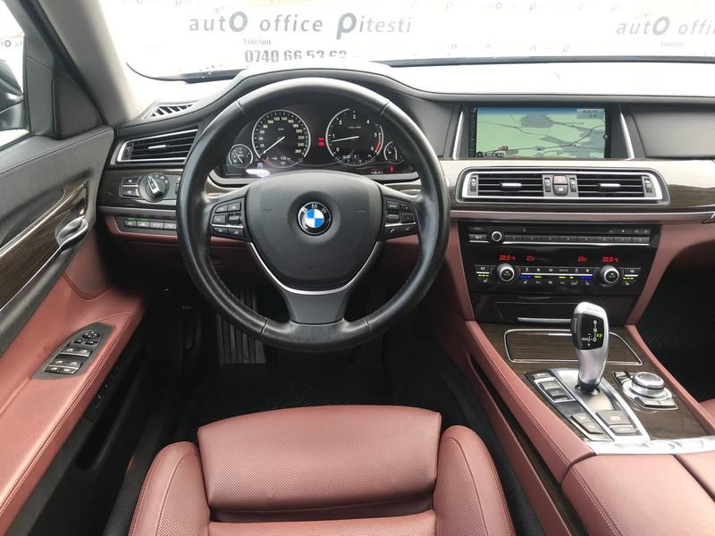 BMW 740 LONG 313 CP FULL LED Foto 10