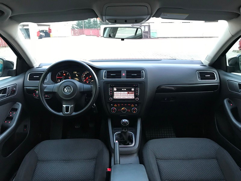 VW JETTA 2015 IMPECABILA Foto 8