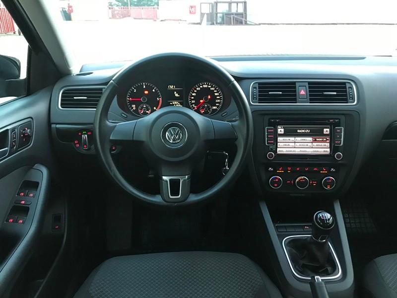 VW JETTA 2015 IMPECABILA Foto 9