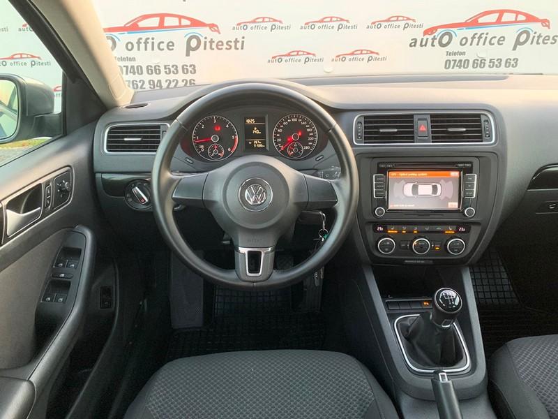 VW JETTA 1.6 TDI 105 CP Foto 10
