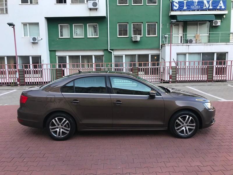 VW JETTA 2.0 TDI HIGHLINE Foto 4
