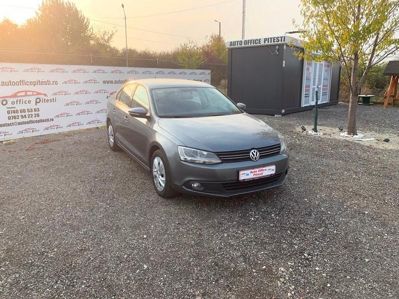VW JETTA 1.6 TDI 105 CP Foto 2