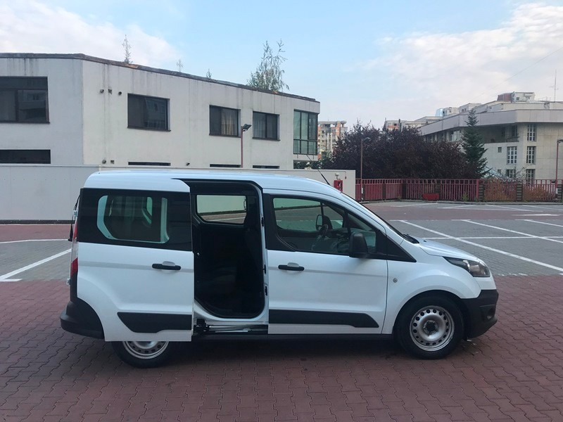 Ford Transit Connect Marfa + Persoane Foto 3