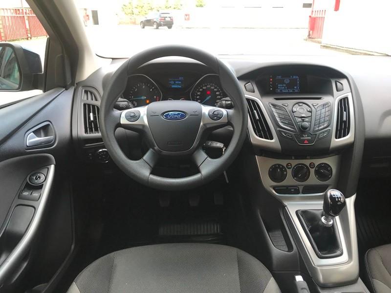 Ford Focus 1.6 TDCI IMPECABIL Foto 9