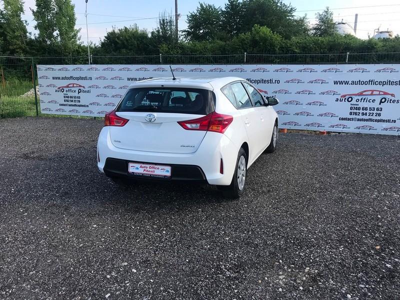 Toyota Auris 1.4D-4D EURO 5 Foto 5