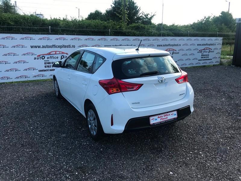 Toyota Auris 1.4D-4D EURO 5 Foto 7