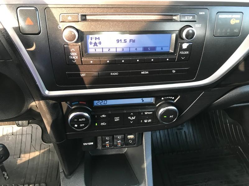 Toyota Auris 1.4D-4D EURO 5 Foto 11
