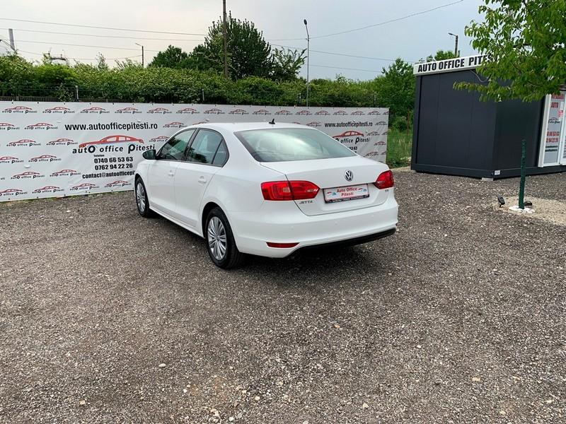 VW JETTA 1.6 TDI 105 CP EURO 5 Foto 6