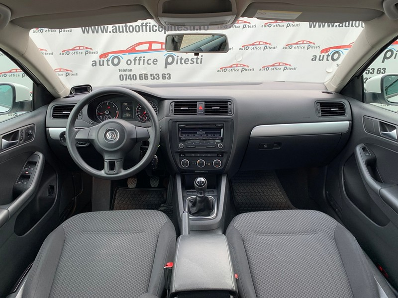 VW JETTA 1.6 TDI 105 CP EURO 5 Foto 7