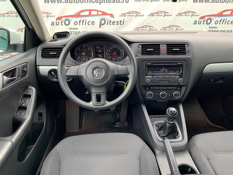 VW JETTA 1.6 TDI 105 CP EURO 5 Foto 8