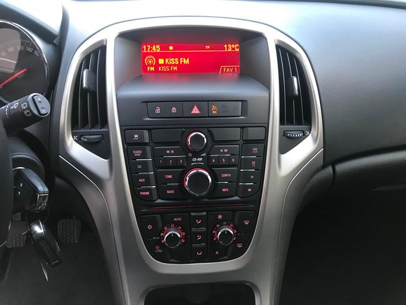 Opel Astra J Unic Proprietar 1.4 Benzina Foto 9