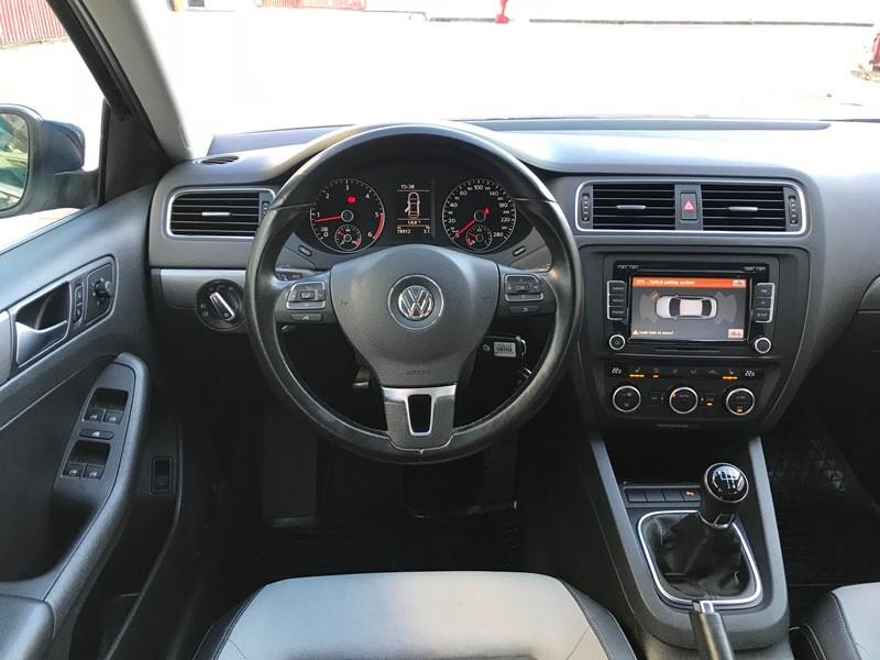 VW JETTA 1.6 TDI HIGHLINE Foto 8