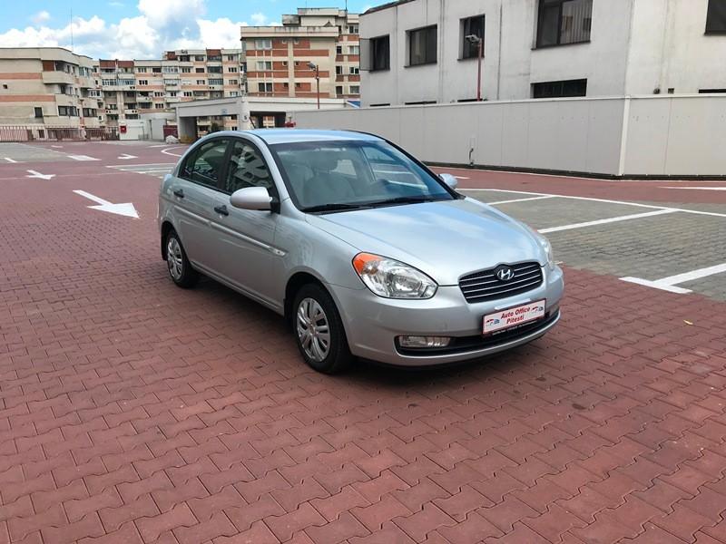 Hyundai Accent 1.5 CRDI Foto 2