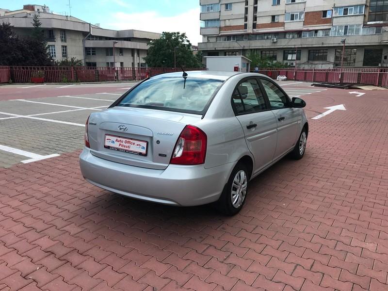 Hyundai Accent 1.5 CRDI Foto 4