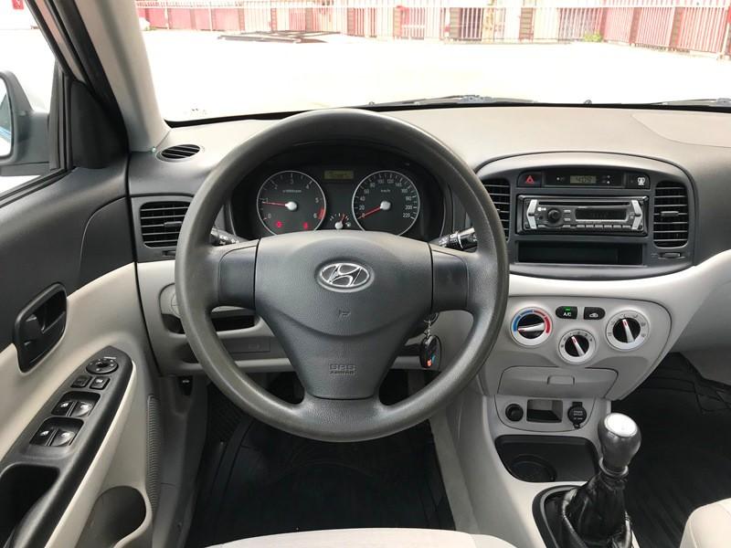 Hyundai Accent 1.5 CRDI Foto 8