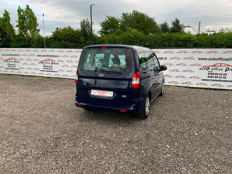 Ford Courier Euro 6 Foto 4