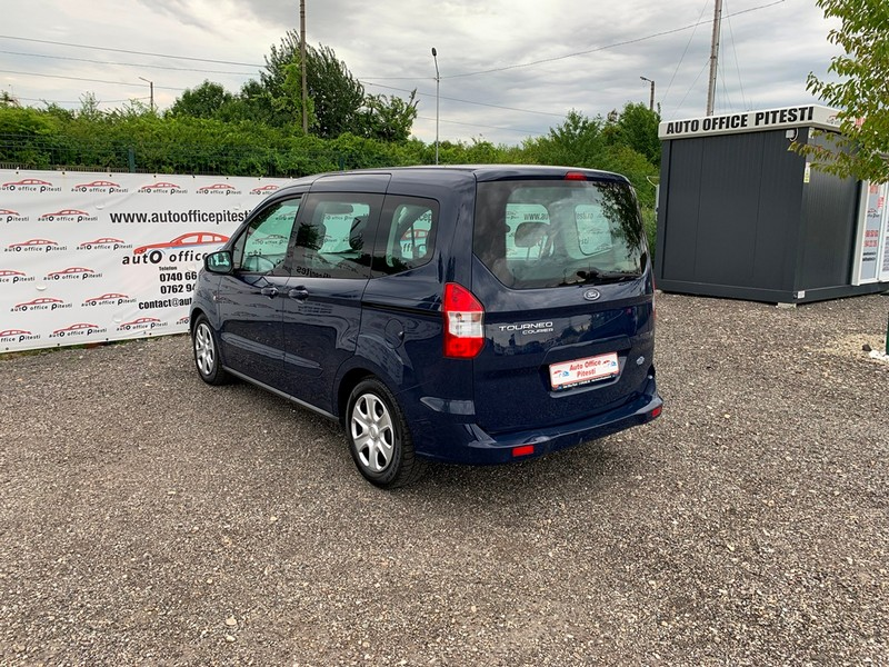 Ford Courier Euro 6 Foto 6