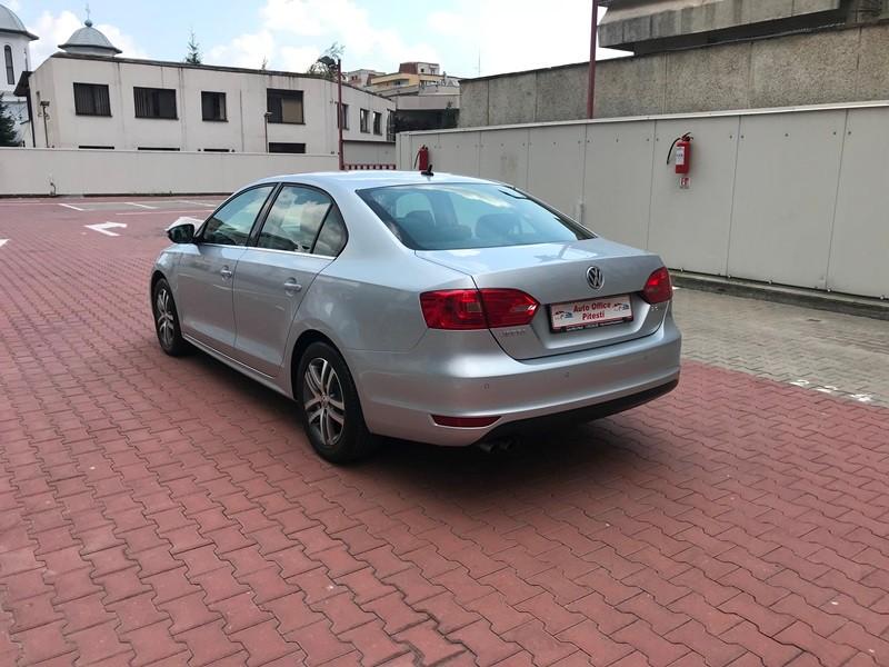 VW JETTA 2.0 TDI HIGHLINE Foto 6