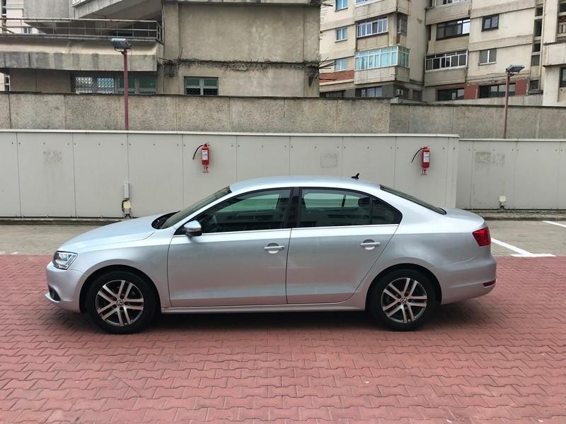 VW JETTA 2.0 TDI HIGHLINE Foto 7
