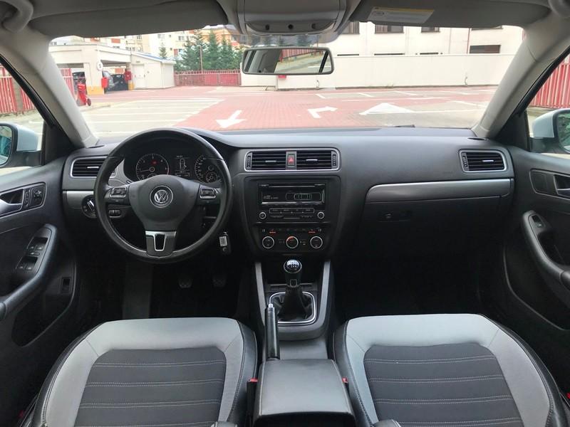 VW JETTA 2.0 TDI HIGHLINE Foto 8