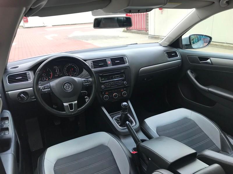 VW JETTA 2.0 TDI HIGHLINE Foto 11