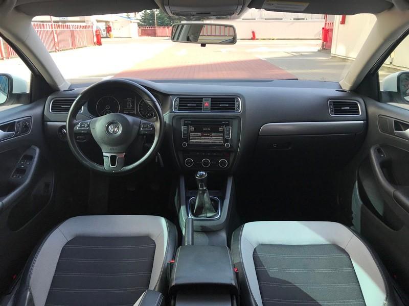 VW JETTA 1.6 TDI HIGHLINE Foto 7