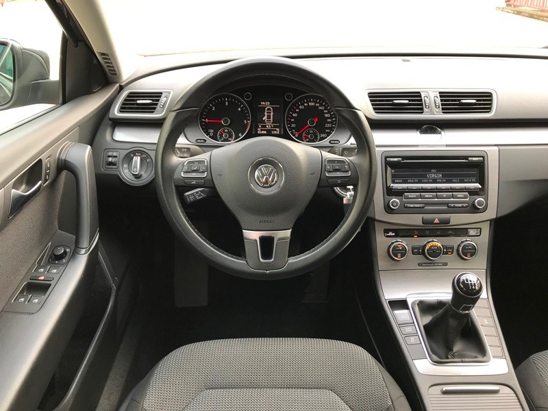 VW PASSAT 1.6 TDI IMPECABIL Foto 9