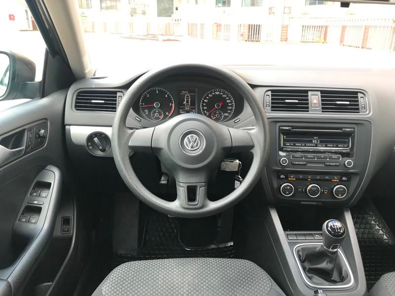 VW JETTA 1.6 TDI TRENDLINE Foto 9