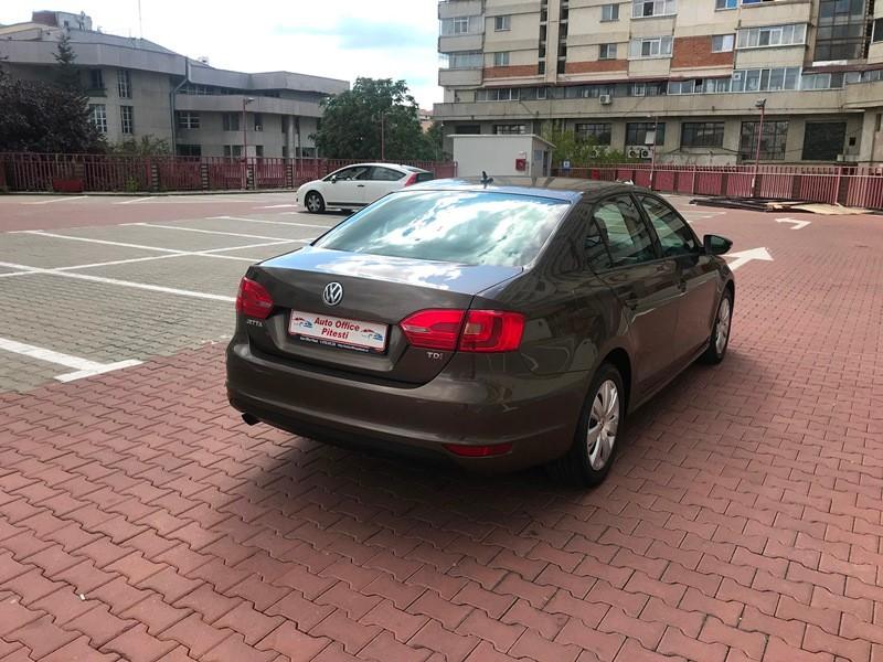 VW JETTA 1.6 TDI TRENDLINE Foto 4
