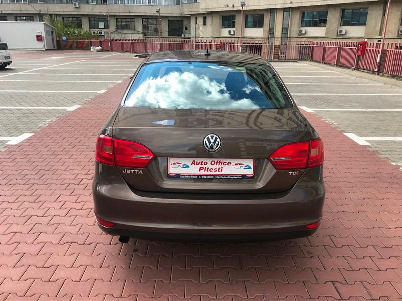 VW JETTA 1.6 TDI TRENDLINE Foto 5