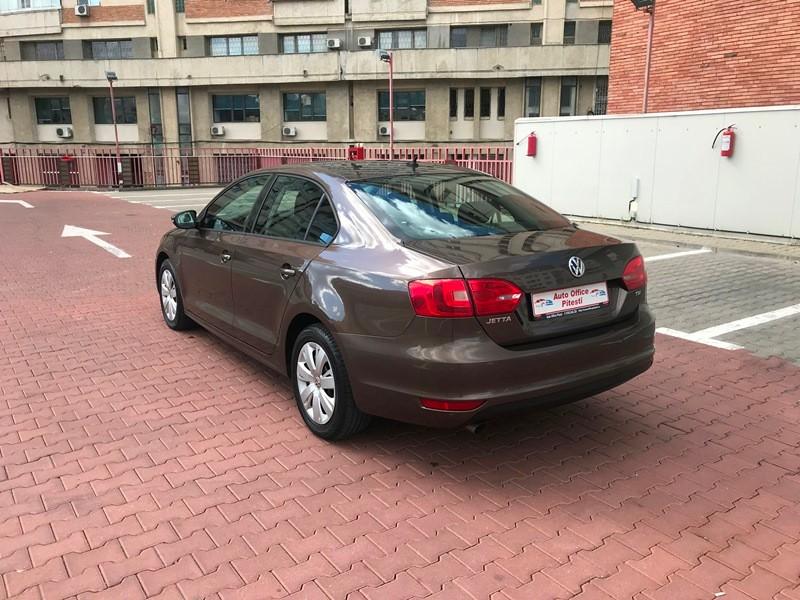 VW JETTA 1.6 TDI TRENDLINE Foto 6